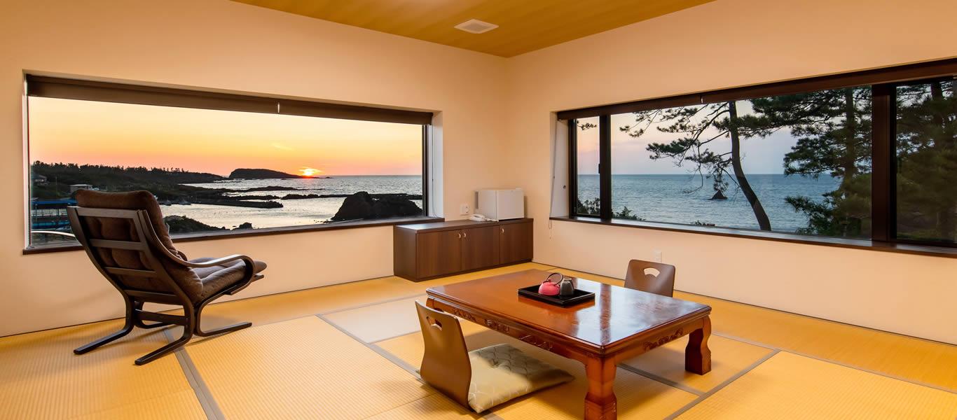 客室 越前の夕陽